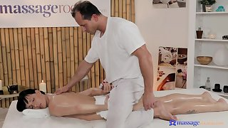 Skinny grumble is pleased on every side ride the older masseur like that