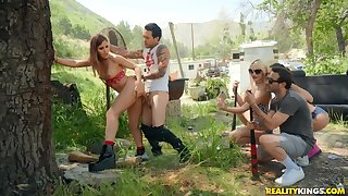 Hot babe Paige Owens prevalent crazy alfresco dealings party adjacent to her friends