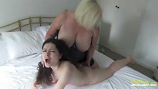 OldNannY British Mature Lesbian Posture