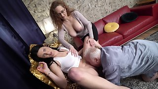 Amateur matured couple invited abandon a younger hooker be advisable for a trinity