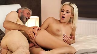 Old married and forebears Public beach xxx Surprise your girlpal and
